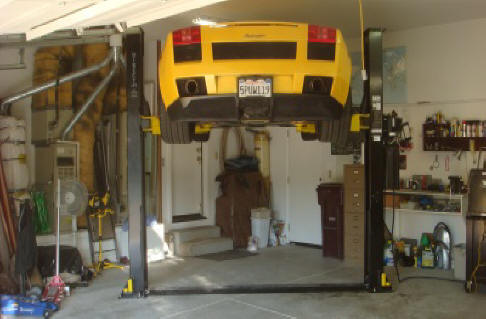 Gallardo On Lift