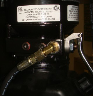 Pump connector