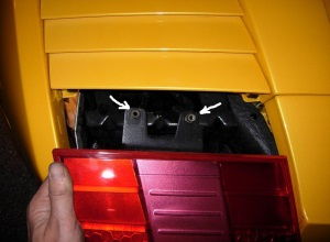 Removing Tail Lights Cover In A Gallardo